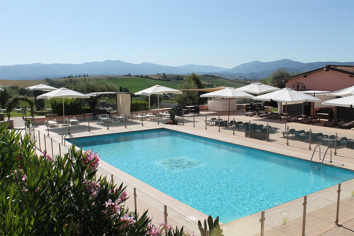 Agriturismo con piscina vista piscina Tenuta Marchesi Fezia