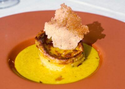 Cena a lume di candela flan di porcini e pancetta su vellutata di parmigiano e curcuma Io & Te piccolissimo ristorante