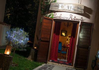 Cena a lume di candela ingresso Io & Te piccolissimo ristorante