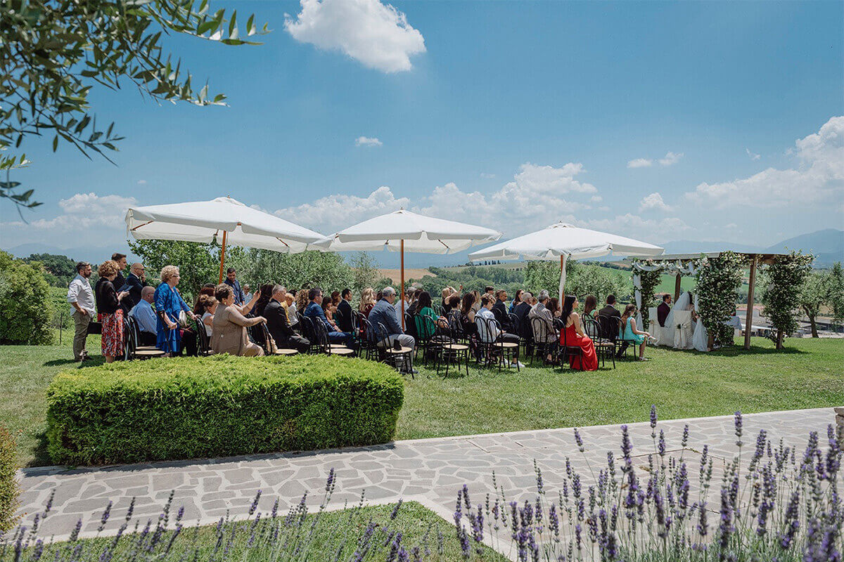Location matrimonio Umbria invitati matrimonio civile in loco Tenuta Marchesi Fezia