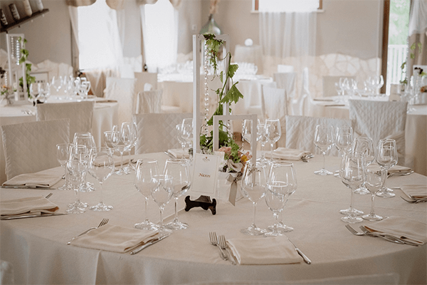 Tavolo cerimonia Tenuta Marchesi Fezia