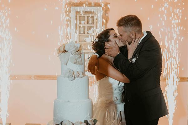 Tenuta Marchesi Fezia matrimonio torta bacio