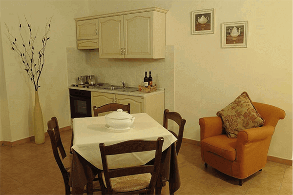 Gli arredamenti dell'appartamento in agriturismo